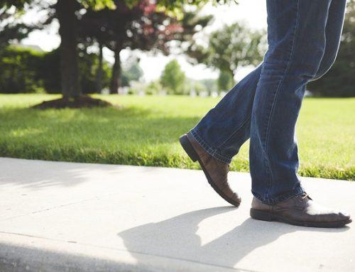 Il modo di Camminare potrebbe Prevedere il rischio di Demenza