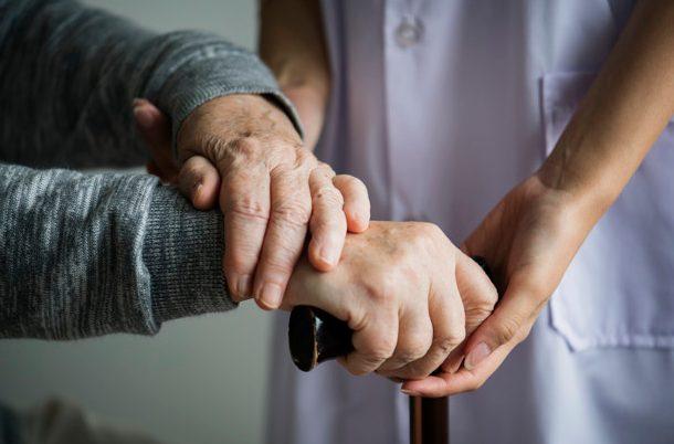 assistenza oss anziano
